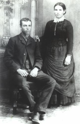 Virie and Nephi - wedding picture